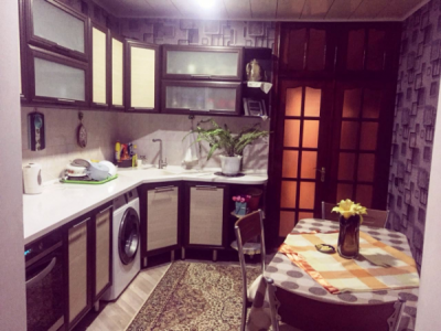 Bakı şəhəri, Suraxanı rayonu, Qaraçuxur qəsəbəsində, 5 otaqlı köhnə tikili satılır (Elan: 107516)