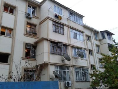 Bakı şəhəri, Binəqədi rayonu, 7-ci mikrorayon qəsəbəsində, 2 otaqlı köhnə tikili satılır (Elan: 106298)