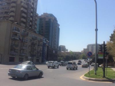 Bakı şəhəri, Nəsimi rayonunda, 2 otaqlı köhnə tikili satılır (Elan: 107708)