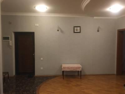 Bakı şəhəri, Yasamal rayonunda, 3 otaqlı yeni tikili kirayə verilir (Elan: 161845)