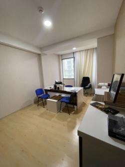Bakı şəhəri, Nərimanov rayonunda, 1 otaqlı ofis kirayə verilir (Elan: 193504)