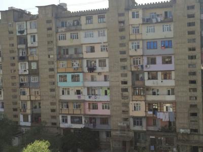 Bakı şəhəri, Binəqədi rayonu, 8-ci mikrorayon qəsəbəsində, 1 otaqlı köhnə tikili satılır (Elan: 106941)