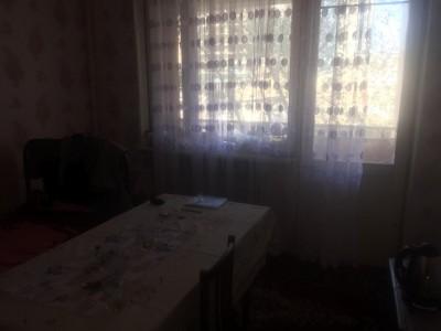 Bakı şəhəri, Xətai rayonunda, 5 otaqlı köhnə tikili kirayə verilir (Elan: 109673)