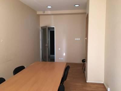 Bakı şəhəri, Nərimanov rayonunda, 6 otaqlı ofis satılır (Elan: 135877)