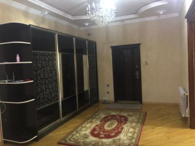 Bakı şəhəri, Nəsimi rayonunda, 3 otaqlı yeni tikili kirayə verilir (Elan: 109555)
