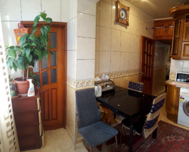 Bakı şəhəri, Binəqədi rayonu, 8-ci mikrorayon qəsəbəsində, 3 otaqlı köhnə tikili satılır (Elan: 108741)