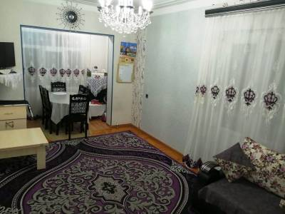 Bakı şəhəri, Nizami rayonunda, 4 otaqlı köhnə tikili satılır (Elan: 145405)