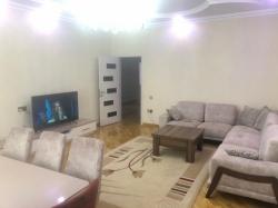 Bakı şəhəri, Binəqədi rayonu, 7-ci mikrorayon qəsəbəsində, 3 otaqlı yeni tikili satılır (Elan: 202245)