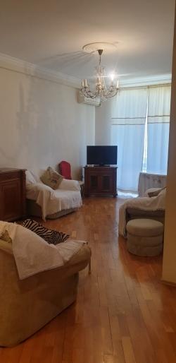 Bakı şəhəri, Nərimanov rayonunda, 2 otaqlı yeni tikili kirayə verilir (Elan: 193509)