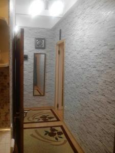 Bakı şəhəri, Yasamal rayonunda, 1 otaqlı köhnə tikili kirayə verilir (Elan: 106831)