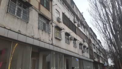 Bakı şəhəri, Nizami rayonu, 8-ci kilometr qəsəbəsində, 1 otaqlı köhnə tikili satılır (Elan: 157795)