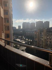 Bakı şəhəri, Yasamal rayonunda, 3 otaqlı yeni tikili kirayə verilir (Elan: 108164)