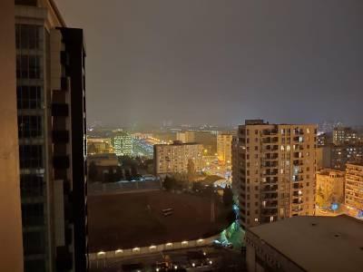 Bakı şəhəri, Nərimanov rayonunda, 4 otaqlı yeni tikili kirayə verilir (Elan: 126679)