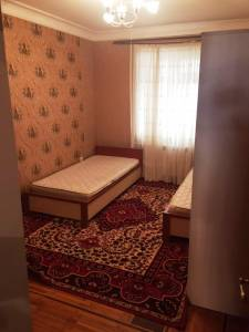 Bakı şəhəri, Xətai rayonunda, 3 otaqlı köhnə tikili kirayə verilir (Elan: 140822)