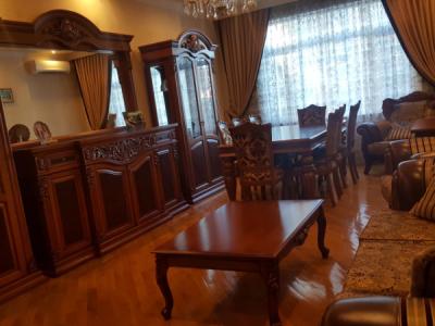 Bakı şəhəri, Nərimanov rayonunda, 3 otaqlı yeni tikili kirayə verilir (Elan: 107700)