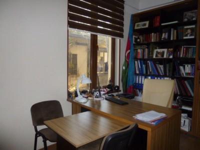 Bakı şəhəri, Nəsimi rayonunda, 12 otaqlı ofis kirayə verilir (Elan: 109739)