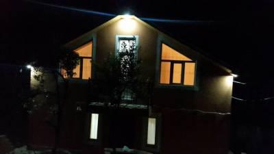 Quba şəhərində, 6 otaqlı ev / villa kirayə verilir (Elan: 143187)