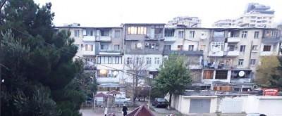 Bakı şəhəri, Yasamal rayonunda, 3 otaqlı köhnə tikili satılır (Elan: 109770)