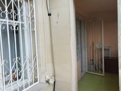 Bakı şəhəri, Nərimanov rayonunda, 2 otaqlı köhnə tikili kirayə verilir (Elan: 158503)