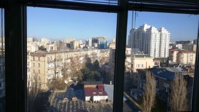 Bakı şəhəri, Yasamal rayonunda, 3 otaqlı köhnə tikili satılır (Elan: 106449)