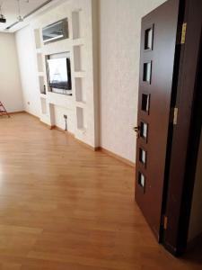 Bakı şəhəri, Nərimanov rayonunda, 4 otaqlı yeni tikili kirayə verilir (Elan: 109145)