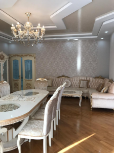 Bakı şəhəri, Nəsimi rayonu, Kubinka qəsəbəsində, 3 otaqlı yeni tikili satılır (Elan: 108014)