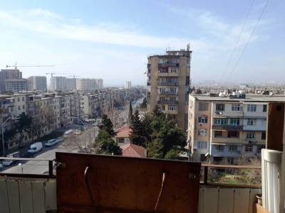 Bakı şəhəri, Xətai rayonu, Əhmədli qəsəbəsində, 3 otaqlı köhnə tikili satılır (Elan: 147751)