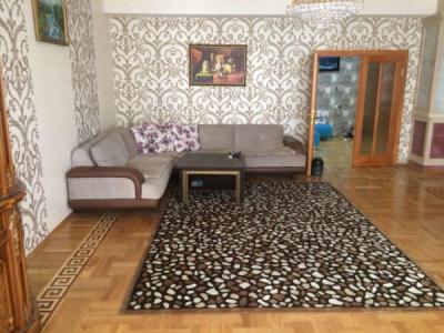 Bakı şəhəri, Nəsimi rayonunda, 4 otaqlı yeni tikili kirayə verilir (Elan: 108078)