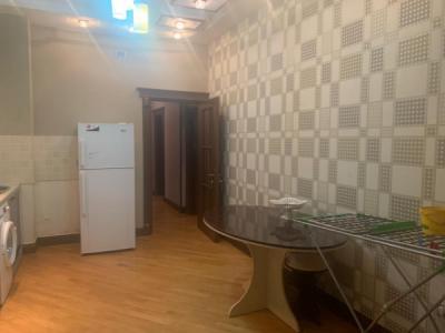 Bakı şəhəri, Nəsimi rayonunda, 3 otaqlı yeni tikili kirayə verilir (Elan: 106958)