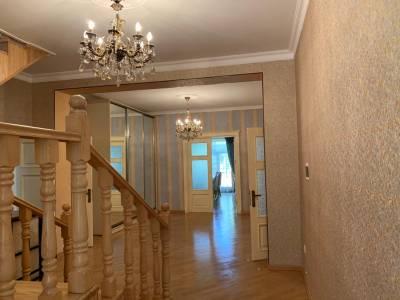 Bakı şəhəri, Binəqədi rayonu, 6-cı mikrorayon qəsəbəsində, 7 otaqlı ev / villa satılır (Elan: 166703)