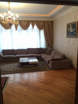 Bakı şəhəri, Nəsimi rayonunda, 3 otaqlı yeni tikili kirayə verilir (Elan: 193690)