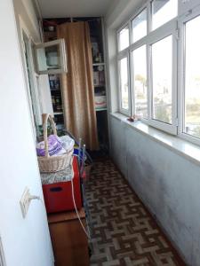 Bakı şəhəri, Nizami rayonu, 8-ci kilometr qəsəbəsində, 3 otaqlı köhnə tikili satılır (Elan: 107239)