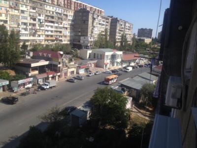 Bakı şəhəri, Suraxanı rayonu, Yeni Günəşli qəsəbəsində, 5 otaqlı köhnə tikili satılır (Elan: 106574)