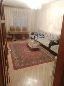 Bakı şəhəri, Binəqədi rayonunda, 2 otaqlı köhnə tikili satılır (Elan: 108975)