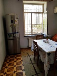 Bakı şəhəri, Yasamal rayonunda, 3 otaqlı köhnə tikili satılır (Elan: 108140)