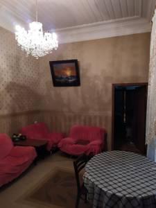 Bakı şəhəri, Nəsimi rayonunda, 2 otaqlı köhnə tikili satılır (Elan: 111599)
