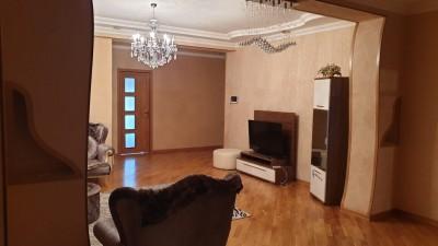 Bakı şəhəri, Yasamal rayonunda, 4 otaqlı yeni tikili kirayə verilir (Elan: 108726)