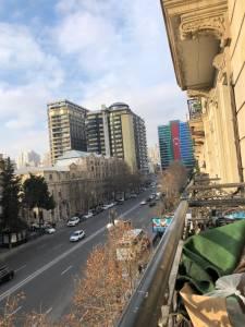 Bakı şəhəri, Yasamal rayonunda, 2 otaqlı köhnə tikili satılır (Elan: 168026)