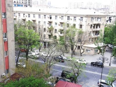 Bakı şəhəri, Yasamal rayonunda, 4 otaqlı yeni tikili satılır (Elan: 110043)