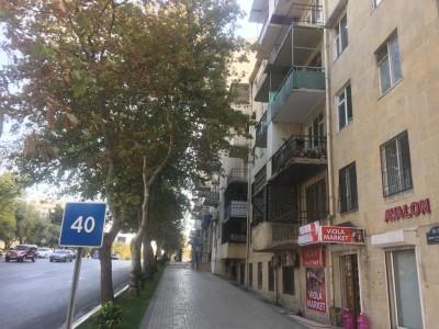 Bakı şəhəri, Nəsimi rayonunda, 2 otaqlı köhnə tikili satılır (Elan: 109337)