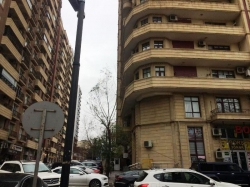 Bakı şəhəri, Nəsimi rayonunda, 3 otaqlı ofis kirayə verilir (Elan: 202102)