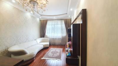 Bakı şəhəri, Səbail rayonu, Badamdar qəsəbəsində, 9 otaqlı ev / villa satılır (Elan: 157990)