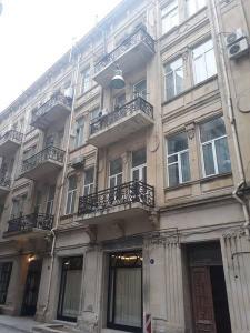 Bakı şəhəri, Səbail rayonunda, 2 otaqlı köhnə tikili kirayə verilir (Elan: 108355)