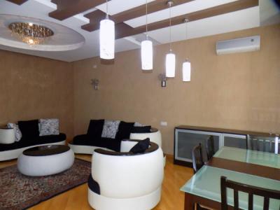 Bakı şəhəri, Nəsimi rayonunda, 4 otaqlı yeni tikili kirayə verilir (Elan: 106332)