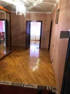 Bakı şəhəri, Nərimanov rayonunda, 3 otaqlı yeni tikili kirayə verilir (Elan: 106668)