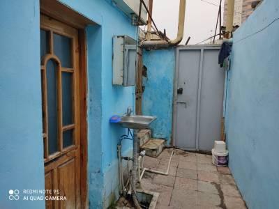 Bakı şəhəri, Binəqədi rayonu, Xutor qəsəbəsində, 4 otaqlı ev / villa satılır (Elan: 166995)