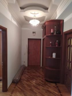 Bakı şəhəri, Nəsimi rayonu, 3-cü mikrorayon qəsəbəsində, 3 otaqlı yeni tikili kirayə verilir (Elan: 193719)