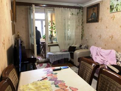 Bakı şəhəri, Yasamal rayonunda, 2 otaqlı köhnə tikili satılır (Elan: 114477)