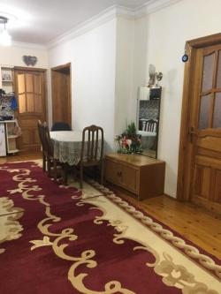 Bakı şəhəri, Yasamal rayonunda, 4 otaqlı yeni tikili satılır (Elan: 180617)