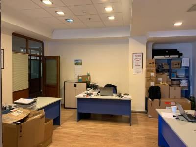 Bakı şəhəri, Səbail rayonunda, 9 otaqlı ofis kirayə verilir (Elan: 115978)